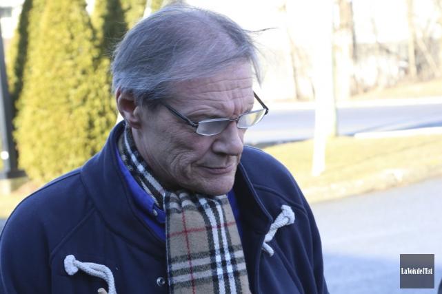 Andrew Marchionni, un Bromontois de 61ans, fait face... (Janick Marois, La Voix de l'Est)