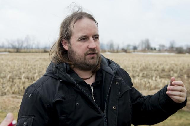Pascal Brien, qui réside dans la maison voisine... (Spectre Média, Jessica Garneau)