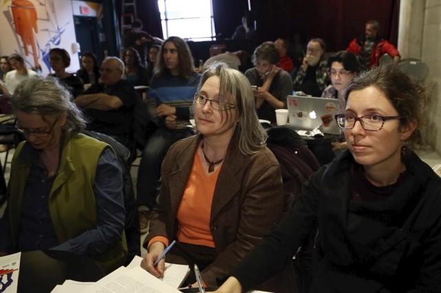 Une dizaine de représentants du milieu syndical et... (Spectre Média, René Marquis)