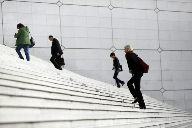 Une volée d'escalier diminue de 0,58an, soit 7mois,... (PHOTO FLORIAN DAVID, ARCHIVES AFP)