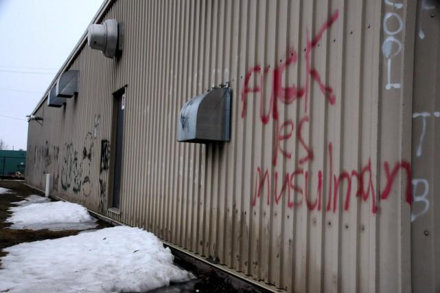 Malgré l'enquête policière, l'auteur des graffitis haineux récidive... (Photo collaboration spéciale Éric Beaupré)