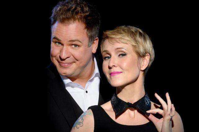 Stéphane Bellavance et Pénélope McQuade, qui reprennent l'animation... (Fournie par ICI Radio-Canada Télé)