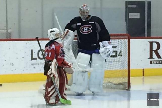 Un jeune hockeyeur sherbrookois a vécu une expérience rêvée, vendredi à... (La Tribune, Sébastien Lajoie)
