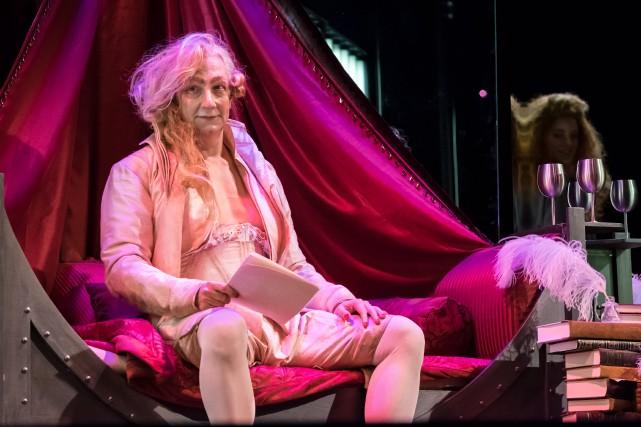 Robert Lepage incarne le marquis de Sade dans... (PHOTO STÉPHANE BOURGEOIS, FOURNIE PAR LE TRIDENT)