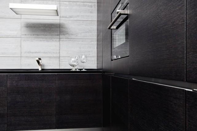 Le noir est tendance dans la cuisine et... (123 RF)