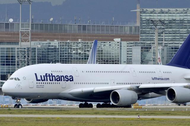 Un Airbus A380 de la compagnie Lufthansa.... (Photo archives AFP)