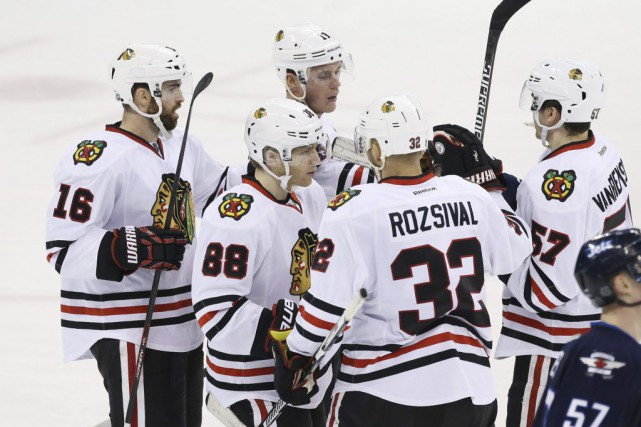 C'est avec panache que les Blackhawks de Chicago ont mis fin à leur pire... (Photo USA Today Sports)