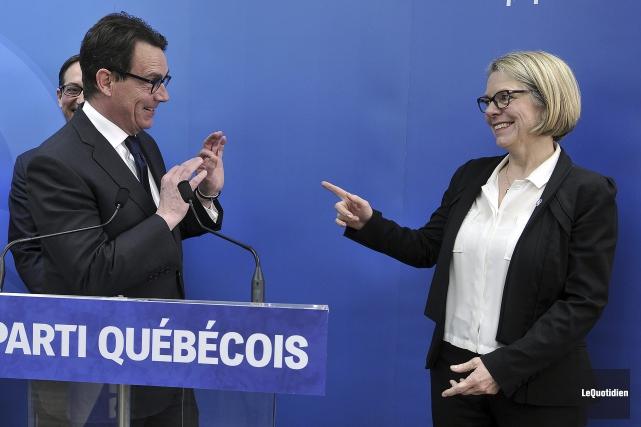 Pierre Karl Péladeau et Mireille Jean ont tenu... (Photo Le Quotidien, Rocket Lavoie)