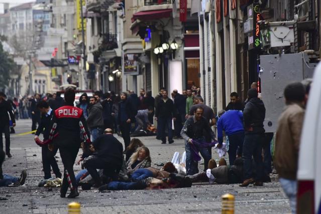 Samedi matin, un «kamikaze» s'est fait exploser sur... (AFP)