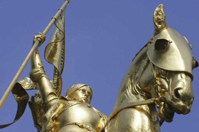 La statue en or de Jeanne d'Arc, une... (PHOTO JOEL SAGET, ARCHIVES AFP)