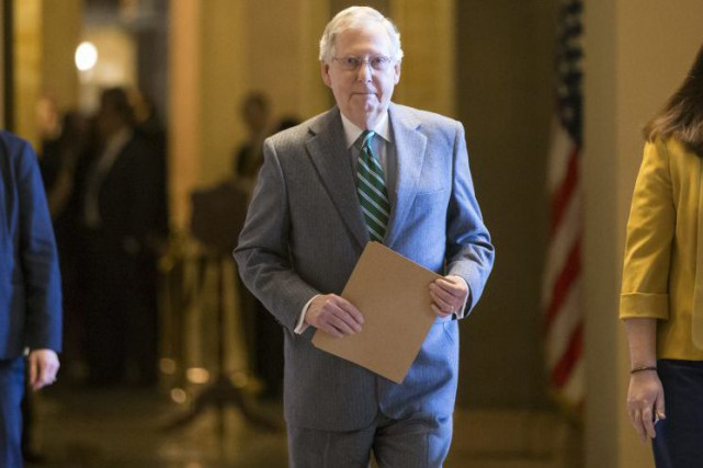 Le chef de la majorité sénatoriale républicaine Mitch McConnell.... (PHOTO J. SCOTT APPLEWHITE, ARCHIVES AP)