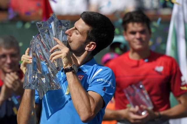 Novak Djokovic (à l'avant) s'est facilement débarrassé de...