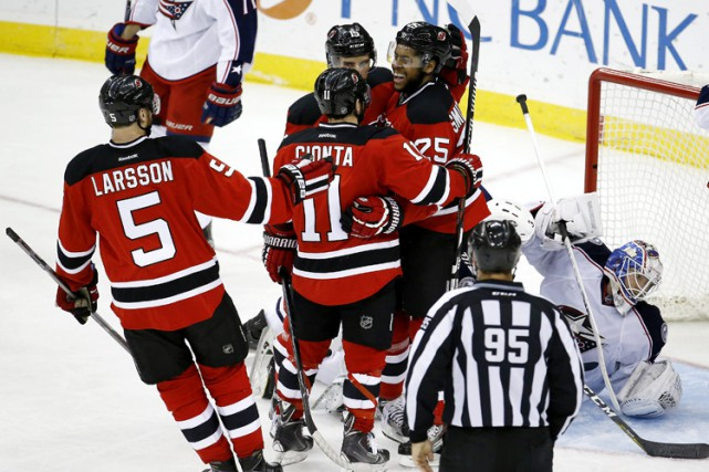 Devante Smith-Pelly a inscrit son septième but en neuf matches avec les Devils,... (PHOTO AP)