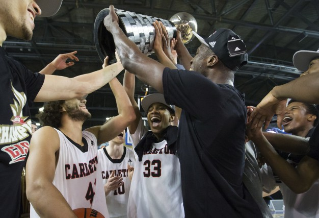 Le club de basket-ball masculin de l'université Carleton... (Darryl Dyck, PC)