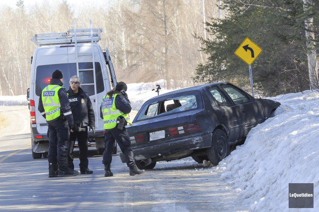 La voiture que conduisait Dave Tremblay a été... (Photo Le Quotidien, Gimmy Desbiens)