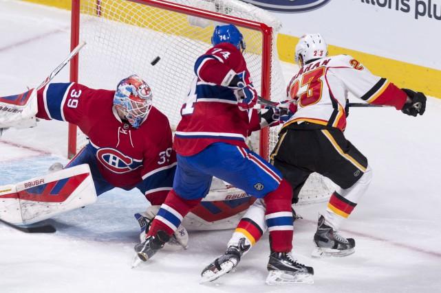 L'arrière du Canadien Alexei Emelin a été incapable... (La Presse Canadienne, Paul Chiasson)