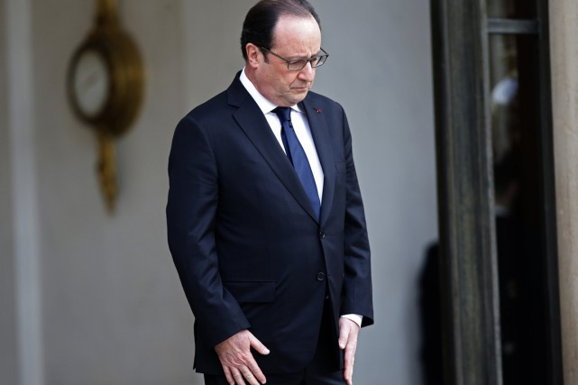 François Hollande a déjà rencontré les familles des... (PHOTO PHILIPPE WOJAZER, ARCHIVES REUTERS)
