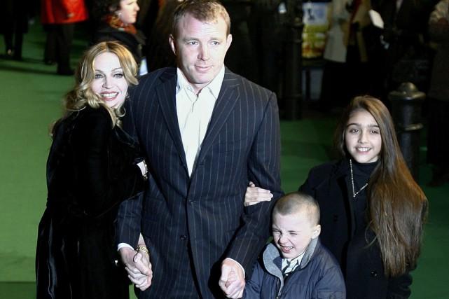 Madonna, Guy Ritchie et leur fils Rocco. À... (Photothèque Le Soleil)