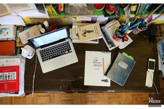 Auteur prolifique, Simon Boulerice travaille sur plusieurs projets en même... (PHOTO MARTIN CHAMBERLAND, LA PRESSE)