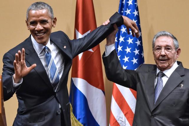Barack Obama et Raul Castro ont participé à... (PHOTO AFP)