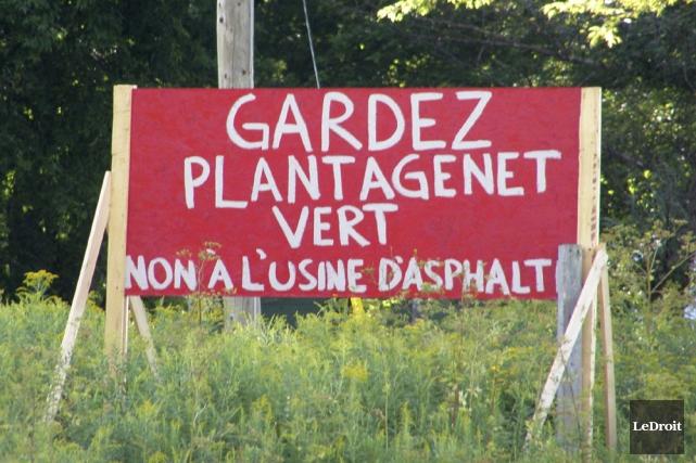 Des résidents de Plantagenet tentent d'empêcher un projet... (Martin Brunette, LeDroit)