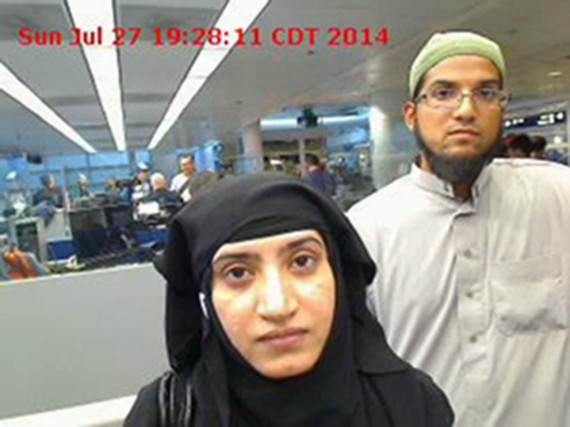 Tashfeen Malik et Syed Farook, le couple ayant commis... (PHOTO AP)