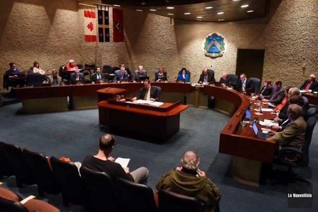 Le conseil municipal de Trois-Rivières a adopté un... (François Gervais, Le Nouvelliste)