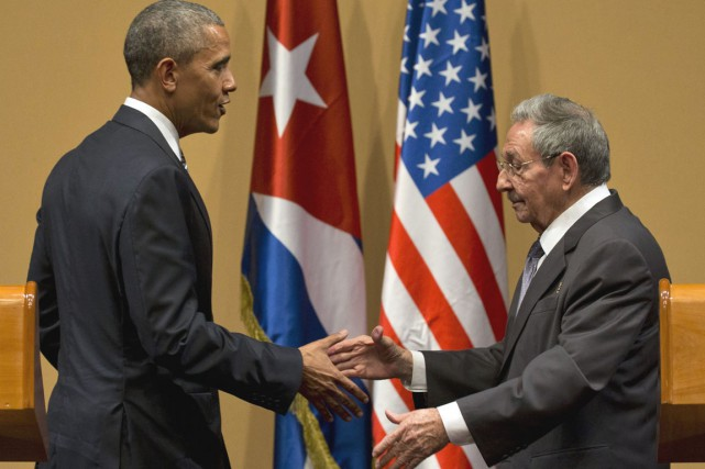 Barack Obama et Raul Castro ont eu des... (Associated Press)