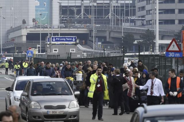 «Dû à la situation à Bruxelles, notre réseau... (PHOTO JOHN THYS, AFP)