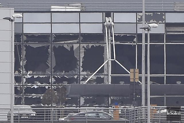 On se souviendra qu'en mars, des vitres de... (Photothèque Le Soleil, AFP, John Thys)