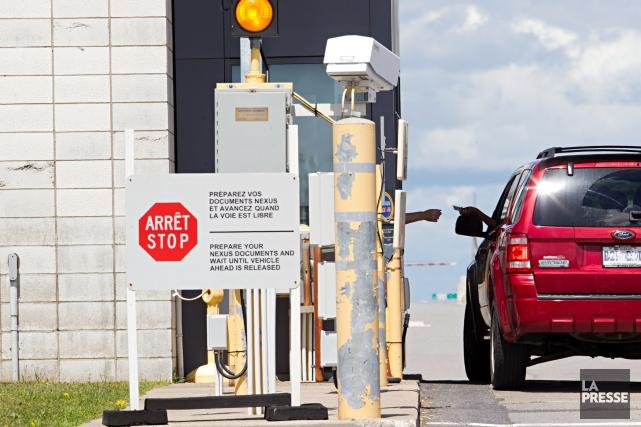 Le nombre de Canadiens voyageant aux États-Unis a atteint son niveau le plus... (PHOTO ANNE GAUTHIER, archivesLA PRESSE)