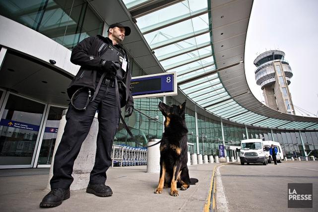 Montréal a demandé à ses policiers de faire... (Photo Patrick Sanfacon, La Presse)