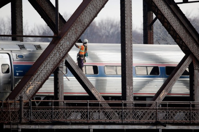 Le train Adirondack d'Amtrak rejoint New York en... (PHOTO ARCHIVES AP)