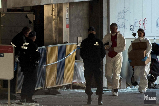 Les enquêteurs ont passé la station de métro... (Agence France-Presse)