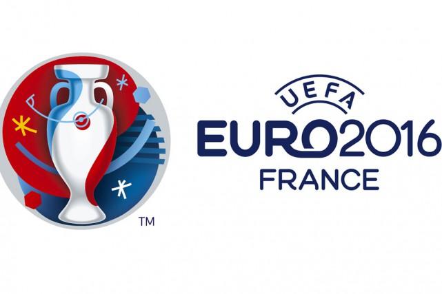 Le ministre de l'Intérieur français Bernard Cazeneuve a... (Logo officiel)