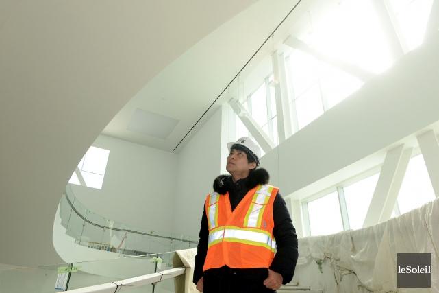 L'architecte Shohei Shigematsua accordé une rare entrevue pour... (Le Soleil, Erick Labbé)