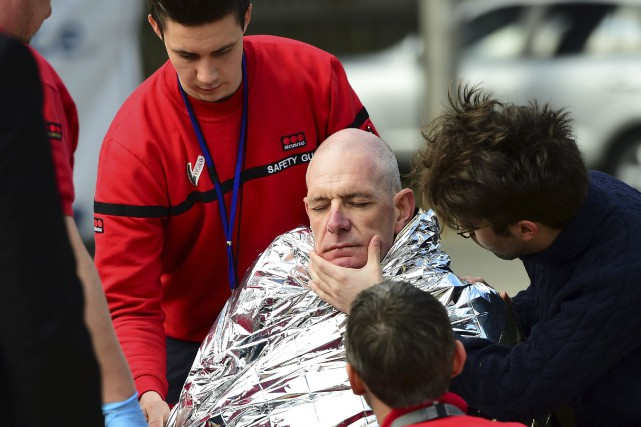 Une victime de l'explosion dans la station de... (AFP, Emmanuel Dunand)