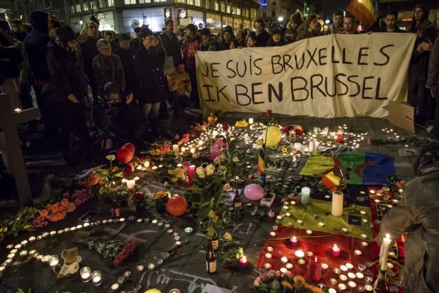 La place de la Bourse a été envahie... (Agence France-Presse)
