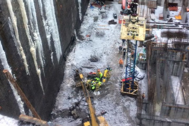 Un travailleur est mort, mercredi matin, sur un... (Courtoisie, Paramédics d'Ottawa)