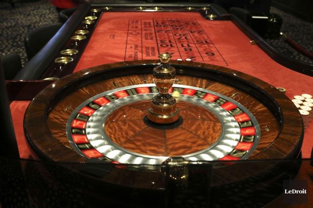 «La meilleure façon de faire de l'argent dans un casino, c'est d'être... (Patrick Woodbury, LeDroit)