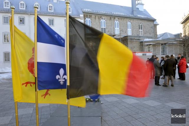 Une vigile en mémoire des victimes des attentats... (Le Soleil, Jean-Marie Villeneuve)