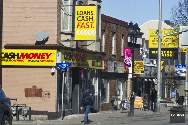 On compte 10 commerces d'avance de fonds sur... (Martin Roy, Archives LeDroit)