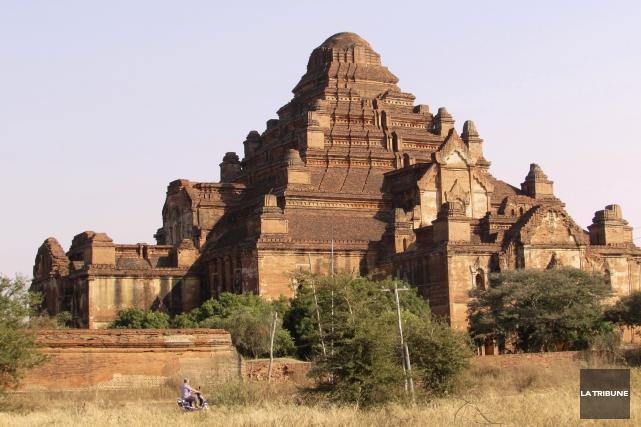 Pour circuler autour des temples de Bagan, il... (Photo La Tribune, Jonathan Custeau)