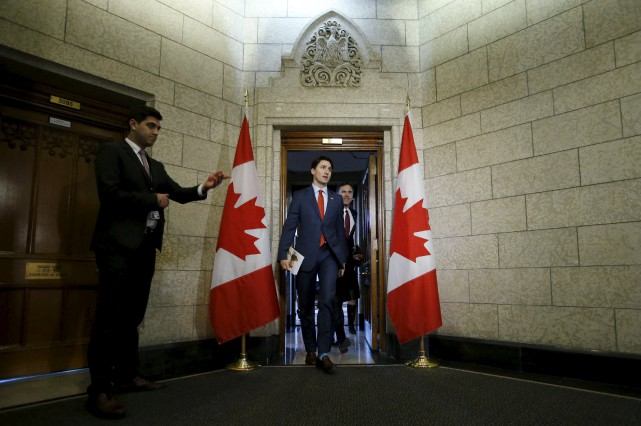 « Tel que promis, le premier budget du ministre... (PHOTO CHRIS WATTIE, REUTERS)