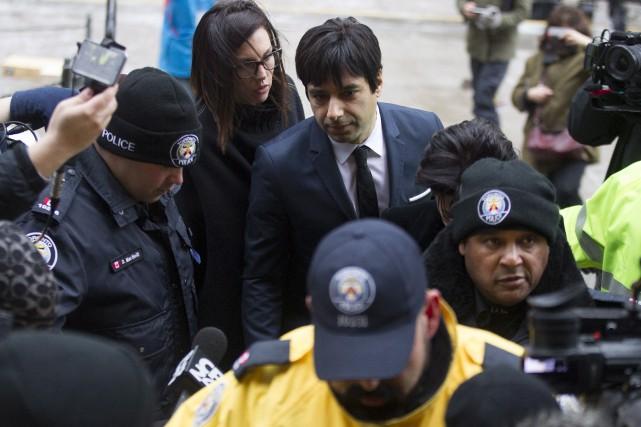 Jian Ghomeshi à son arrivée au palais de... (Chris Young, PC)