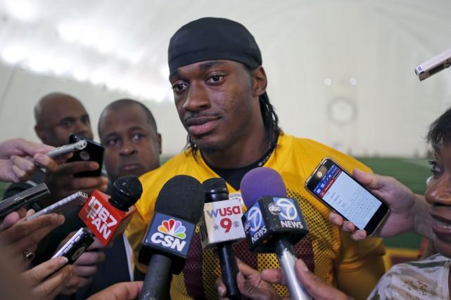 Méconnaissable depuis sa première saison avec les Redskins... (Archives AP, Alex Brandon)
