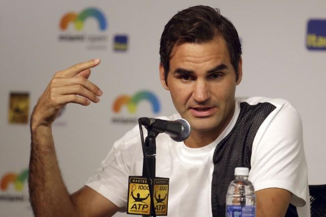 Roger Federer a dû subir une intervention chirurgicale... (AP, Lynne Sladky)