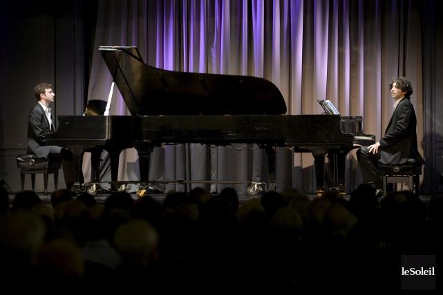 Les pianistes YaronKohlberg et BisharaHaroni, tous deux âgés... (Le Soleil, Jean-Marie Villeneuve)