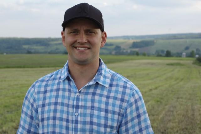 Alexandre P., producteur laitier de 33 ans de... (Photo fournie par V Télé)