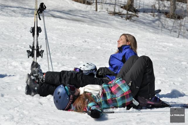Les skieurs se promettent une fin de semaine du tonnerre sur les pentes... (Archives La Tribune, Maxime Picard)
